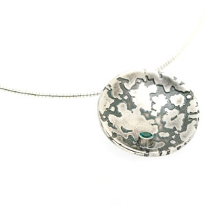 large_lichen_pendant_3mm_stone_no_border