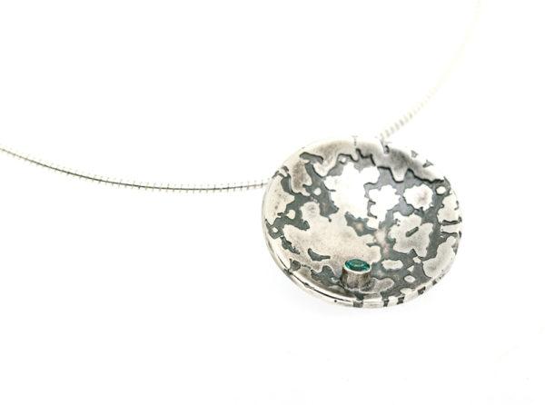 large_lichen_pendant_3mm_stone_no_border