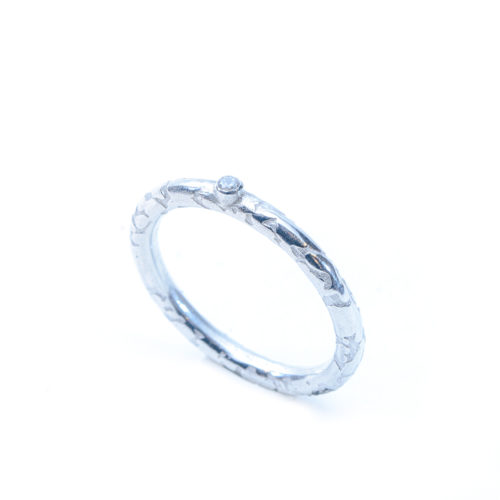 fe0daec583341 Ethical and eco friendly recycled silver ring set with cubic zirconia